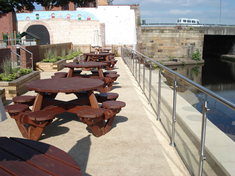 picnic area with stainless steel handrail and glass balustrade system