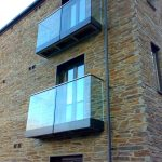 Balcony using glass balustrade
