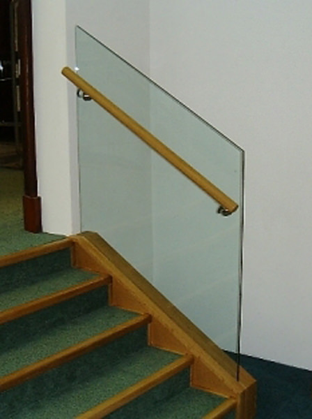 Structural glass steps in public building